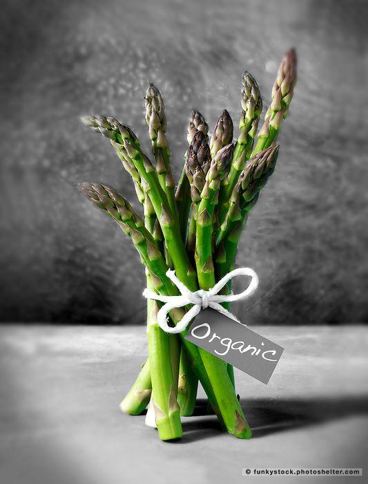 Bunch Of Fresh Asparagus Spears Frutas Y Vegetales Fotografia De Alimentos Vegetales