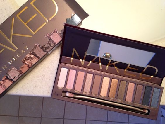 A Beginners' Guide To Using The Urban Decay Naked Palette- her last look is my favorite!:
