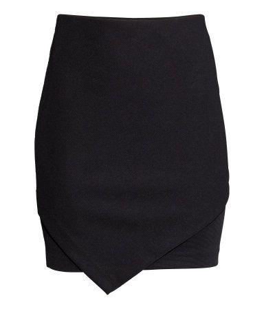 Falda en punto con textura $ 9.990 COLOR: Negro