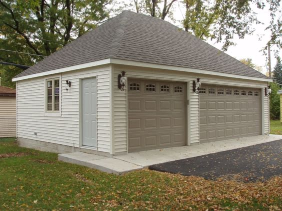 Pinterest the world s catalog of ideas for Hip roof garage