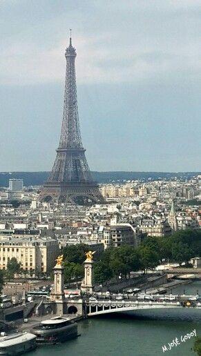 Vista de pájaro de la Torre Eiffel