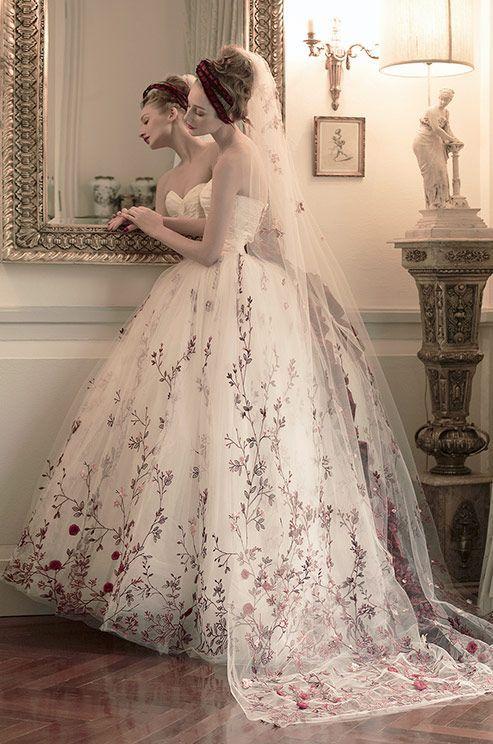 St. Pucchi Mercedes Z224 Wedding Dress   Pinterest   Wedding dress ...