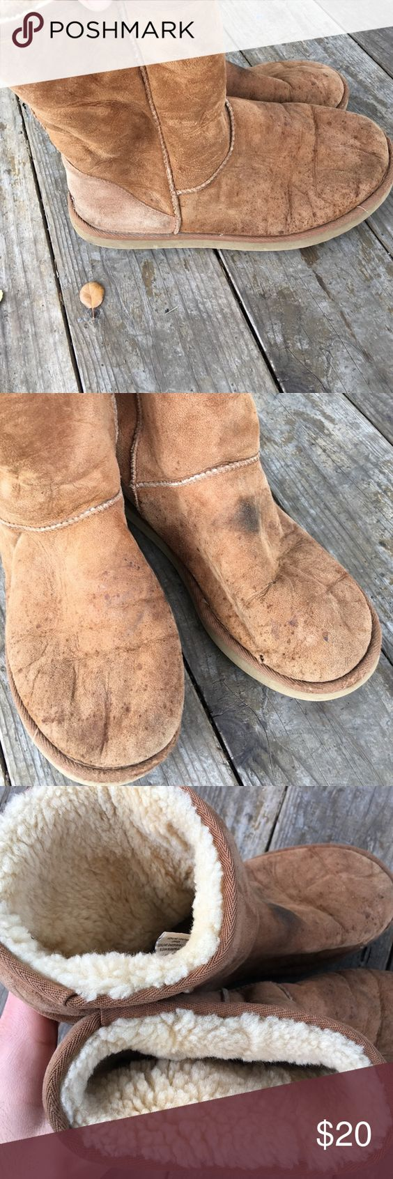 UGG short boots (293) Signs of wear, scuff marks, discoloration,  stains, small tear on shoe, can be cleaned and repaired! UGG Shoes Rain & Snow Boots