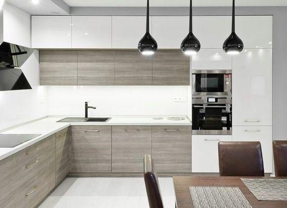 arbeitsplatte und fronten in wei schwarze armaturen. Black Bedroom Furniture Sets. Home Design Ideas