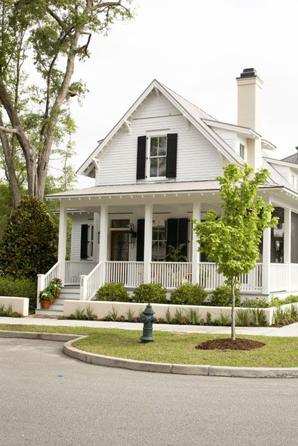 Sugarberry cottage house plans from southern living for Farmhouse cottage house plans