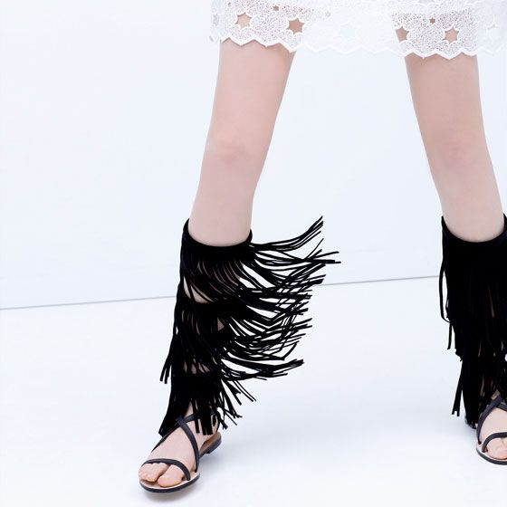 FRINGED LEATHER GLADIATORS SANDALS