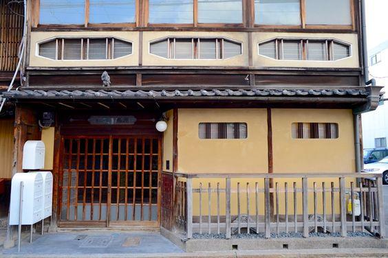 japan-architects.com: 魚谷繁礼による「嶋原のシェアハウス」