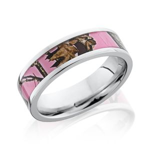 Lashbrook camo ring. Perfect for the outdoor bride.