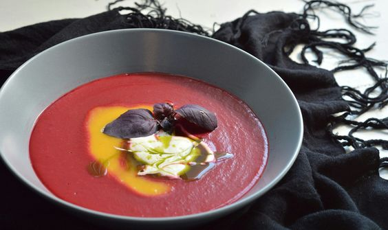 Cream of roasted beets with apricot jam and cream.