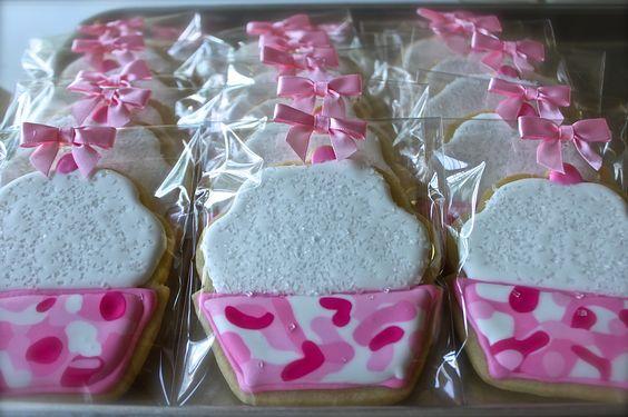 """Pink """"Camo"""" Cupcake Cookies"""