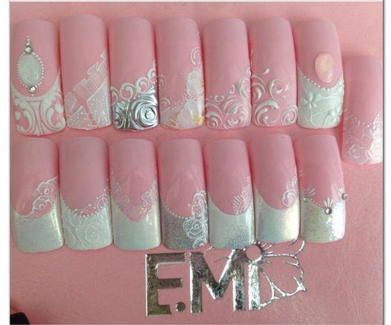 Lace bridal nails