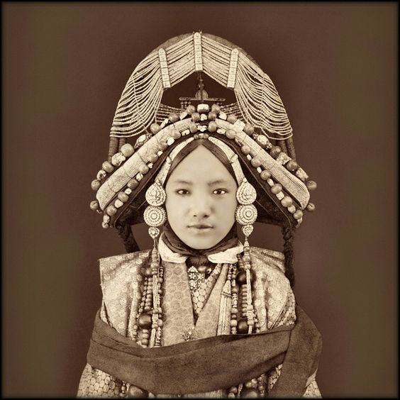 Tibet noble women in 1879.