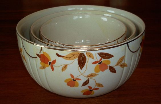 3 VINTAGE JEWEL TEA AUTUMN LEAF NESTING MIXING BOWLS. $48.95, via Etsy.....my medium and small ones aren't as pretty as these since I use them all the time  .