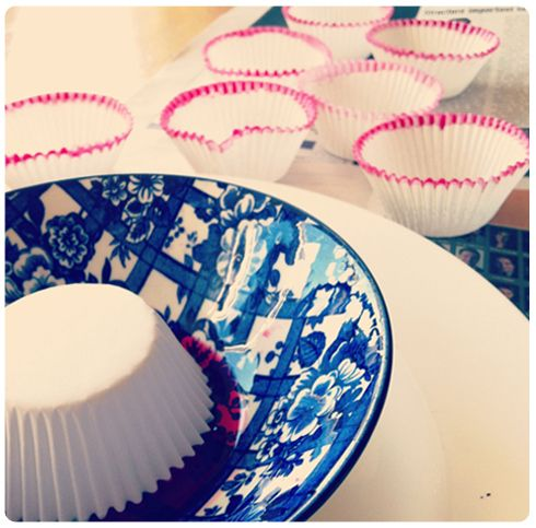 Use this easy idea to add color to white cup cake liners.