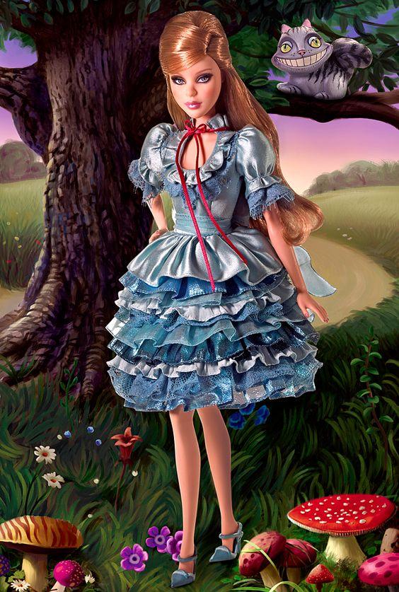 Muñeca vestida de azul