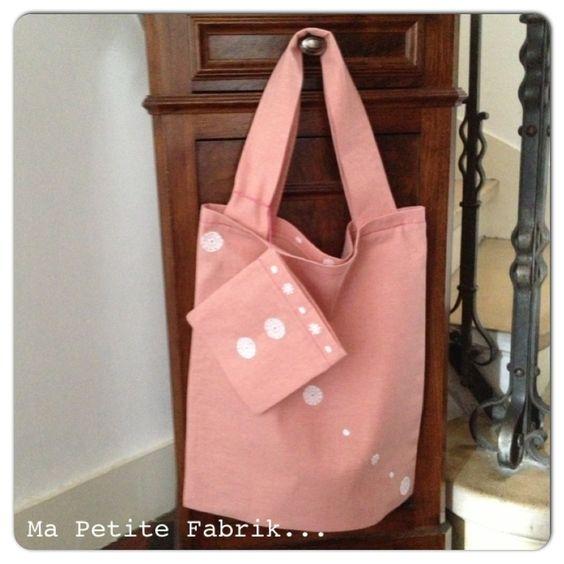 Mon tote bag rose et dentelle, contre le cancer du sein...