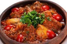 Muşchiuleţ de porc la cuptor cu ierburi aromate şi sos de legume