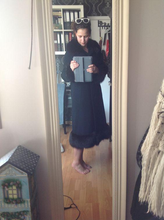 Hoewel lente in de aantocht is, kocht ik toch nog deze super vintage winterjas! (Rood gezicht en gezwollen voeten door het joggen)