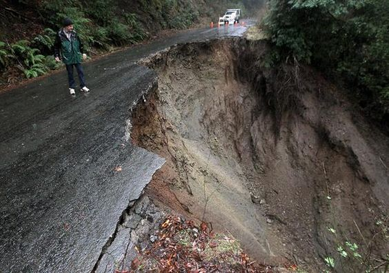 Three days of rain leads to Sonoma County mudslide. 2/8/14