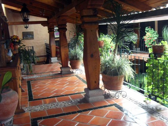 Patio haciendas and puertas on pinterest for Pisos rusticos para terrazas