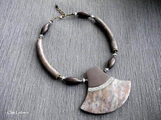https://flic.kr/p/Bwrs7J | DSCF0187 | Necklace. CERNIT. Imitation stone.
