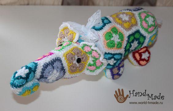 Слоник крючком из мотивов Африканский цветок