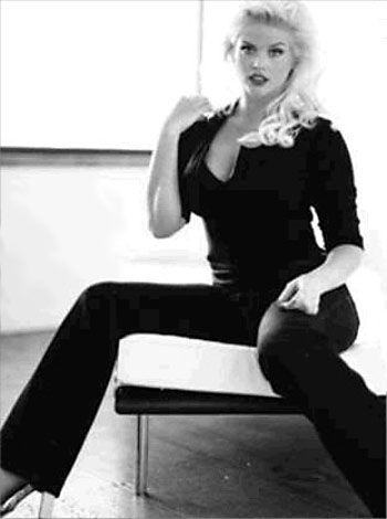Anna Nicole Smith | fashion around the world | Pinterest ...