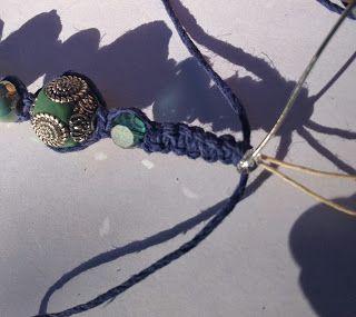 Tutorial on Jesse James Beads: Shamballa-la-la Bracelet