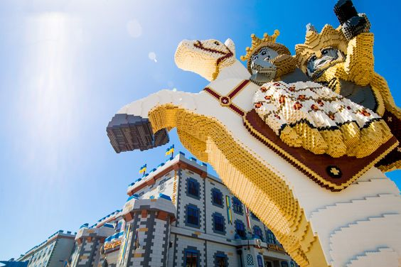 The Royal Statue is made with more than 250K LEGO bricks and stands more than 6 feet tall right outside the LEGOLAND Castle Hotel at LEGOLAND California Resort.