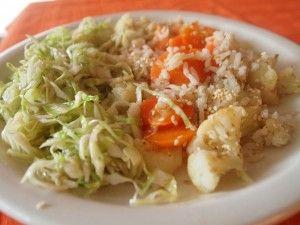 Sárgarépás szezámmagos rakott karfiol káposzta salátával