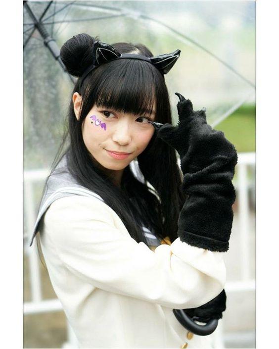 黒い猫耳をつけた小林愛香
