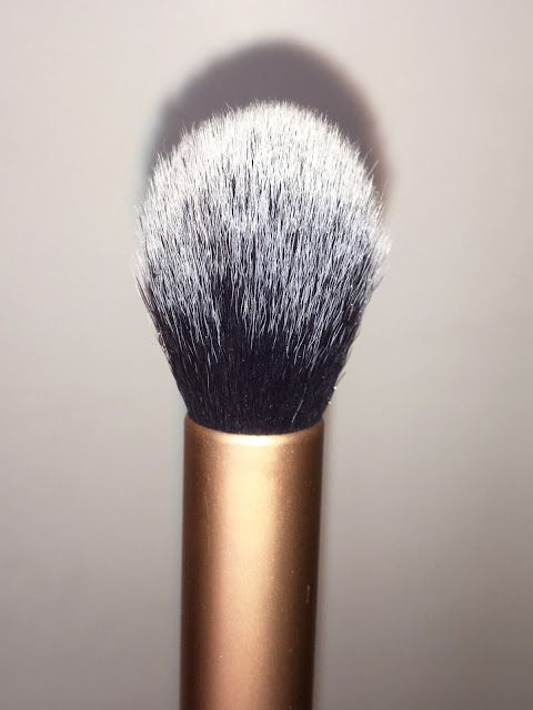 Pink Chocolate Mocha - Real Techniques Core Collection Brush Kit Review - Contour Brush