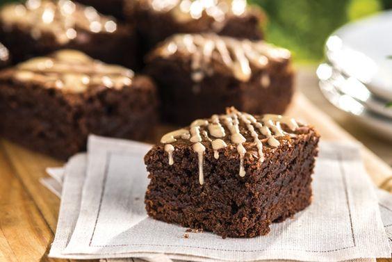 Sencillos brownies con glaseado a la moca