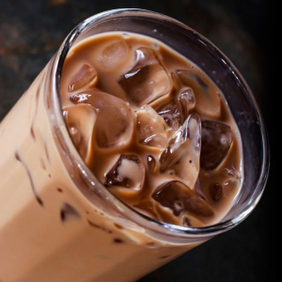 Never tried an iced chocolate tea? You are in for a treat. It's a sinfully delicious way to cool down. Recipe link in our profile.