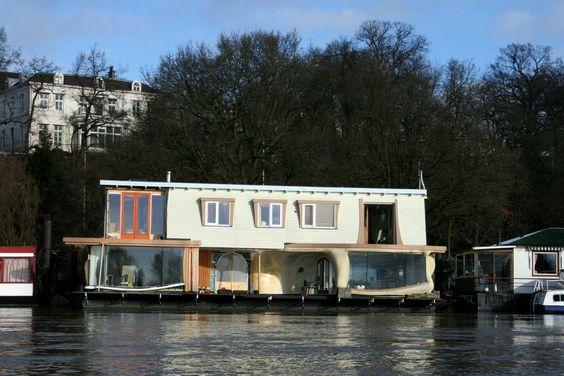 Houseboat Gaudi aan de Rijn, Arnhem, Gelderland, Netherlands... A unique stay on a houseboat with a splash of modernism and a Gaudi-inspired décor…