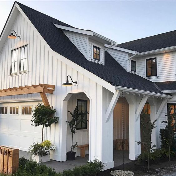 Gorgeous 90 Modern Farmhouse Exterior Design Ideas https://homeastern.com/2018/02/01/90-modern-farmhouse-exterior-design-ideas/ #ExteriorDesignColor