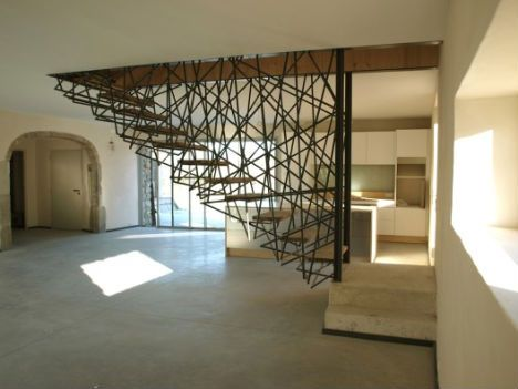 Leander Angerer And David Blair Ross Were Commissioned To Re Design A  Georgian Staircase. Tennis Racket Strings Were Sewn Into The Hand Rail Of  Theu2026