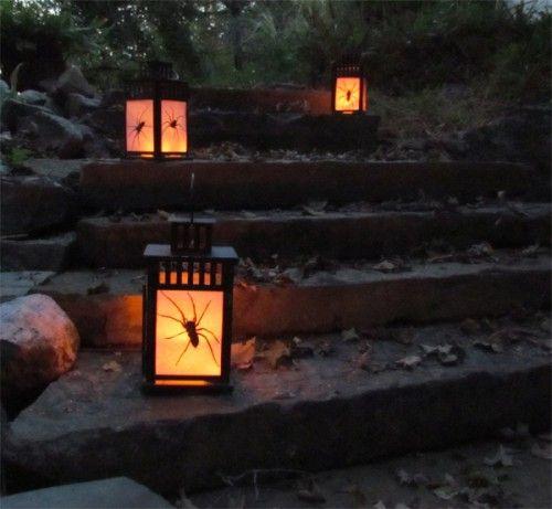 Lanternes avec du papier imprim araign e fix l 39 int rieur - Lanterne papier ikea ...