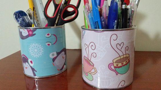Decorando latas de leite,  e olha que lindos porta canetas! !!