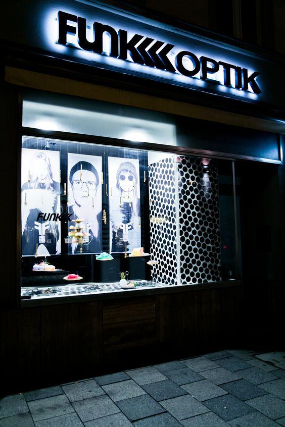 FUNK Optik Store Munich! Schellingstraße 18 | 80799 Munich | Germany #deko #funkoptikstore #funk #funkglasses #glasses #brillen #funkbrillen #munich #schaufenster #dekoration #FUNKFood
