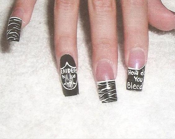 Oakland Raiders Manicure