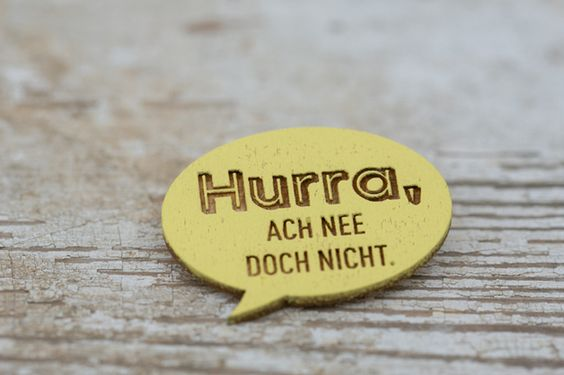 Holz-Brosche // wooden brooch via DaWanda.com