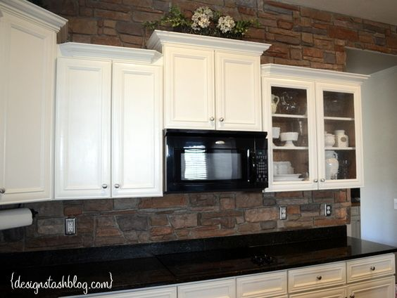 Painting kitchen cabinets white painting kitchen cabinets for Kitchen units made of bricks