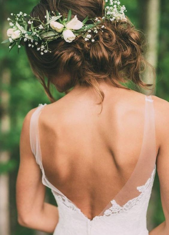 Wedding hairstyle idea; Featured Photographer: The Image is Found, Featured Dress: Lea-Ann Belter