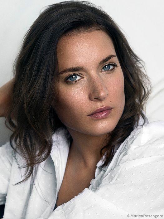 Actors In Scandinavia Josefin Asplund Brunette Beauty Just Beauty Pink Singer