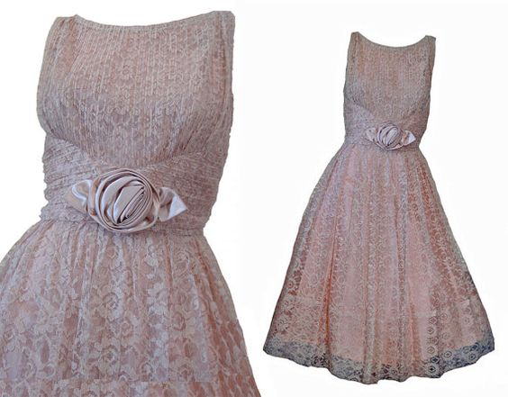 Vintage 50s Dress Blush Beige Lace Wedding Garden Party Dress SZ M-L Rose Bow Trim