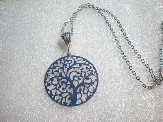 """collier """"arbre de vie"""" argenté sur une jolie chaîne couleur argenté : Collier…"""