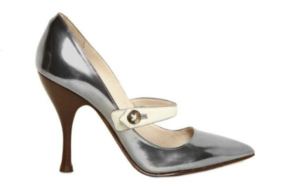 CONFESSION OF A SHOE ADDICT: Oh Mary Jane http://www.shoera.com/2012/05/03/confession-of-a-shoe-addict-oh-mary-jane/