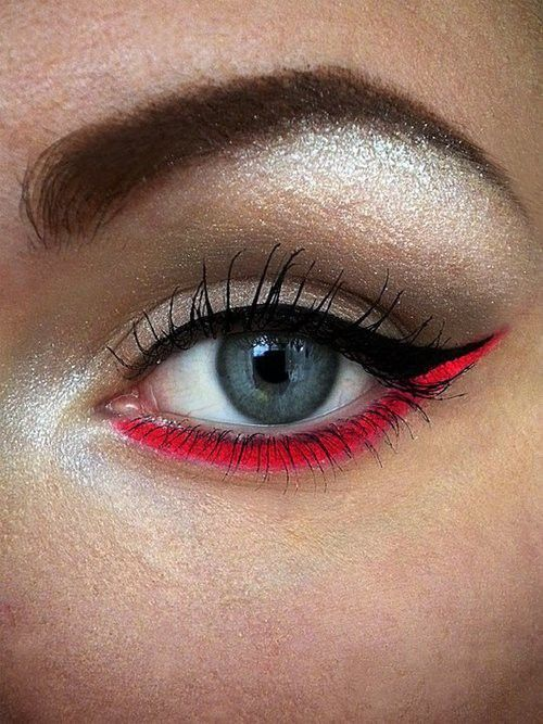 sheer glitter shadow & black/red liner. I would pick treal aqua or an electric blue bc red doesn't look good on me