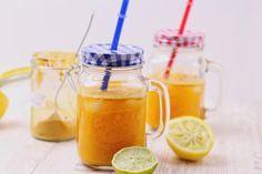 Rezept für einen kurkuma Tonic. Ein neuer Trend aus den USA. Kurkuma, dass verdauungsfördernd und entzündungshemmend wirkt schmeckt auch sehr lecker.